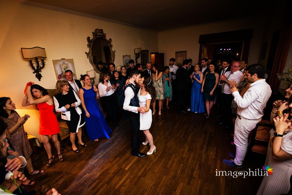 Balli scatenati durante ricevimento di nozze a Villa Senni, Grottaferrata