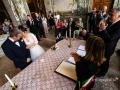 Applauso agli sposi durante il matrimonio civile bilingue a Palazzo Chigi, Ariccia