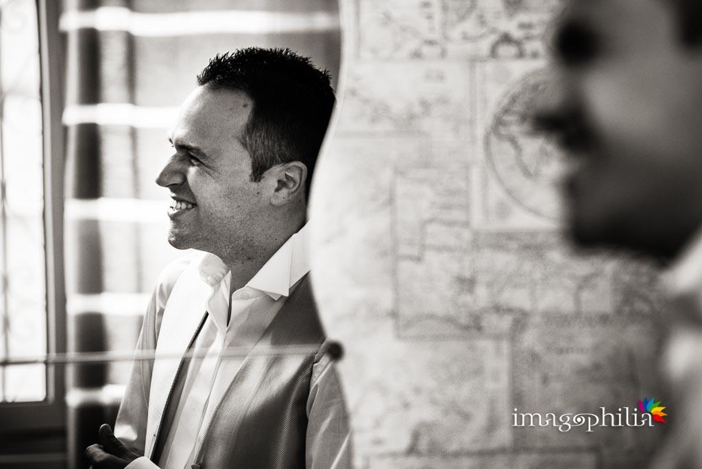 Ritratto dello sposo durante la preparazione