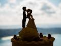 Dettaglio del cake topper al ricevimento di matrimonio a Punta San Michele, Rocca di Papa