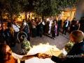 Taglio della torta nuziale al termine del ricevimento di matrimonio a Villa Pocci / 2