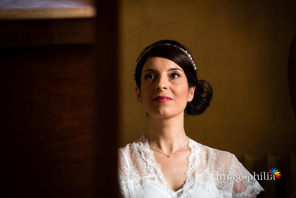 Ritratto della sposa durante la preparazione presso il Borgo di Tragliata
