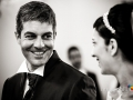 Gli sposi durante il matrimonio nella chiesa di Sant'Isidoro all'interno del Borgo di Tragliata