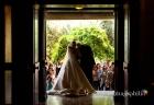 Uscita degli sposi, al termine del matrimonio, dalla Chiesa di San Gregorio Barbarigo, Roma Eur