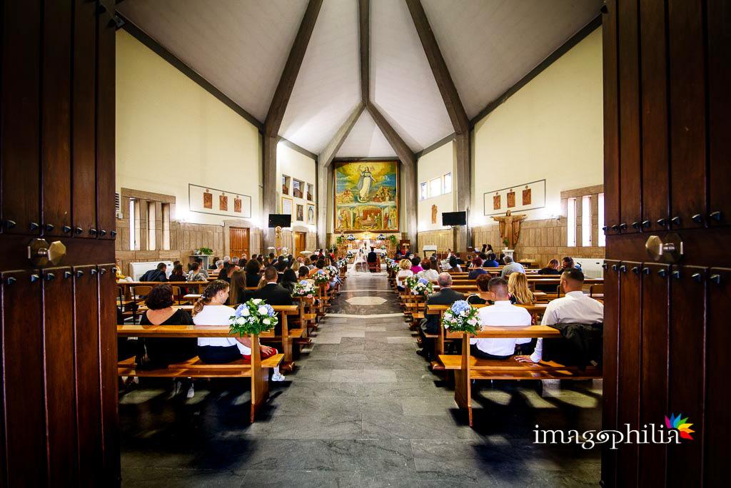 Veduta dal fondo della Chiesa della Natività della Beata Vergine Maria a Santa Maria delle Mole / 1