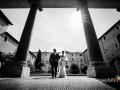 Ingresso della sposa prima del matrimonio nella Basilica di Santa Cecilia in Trastevere a Roma
