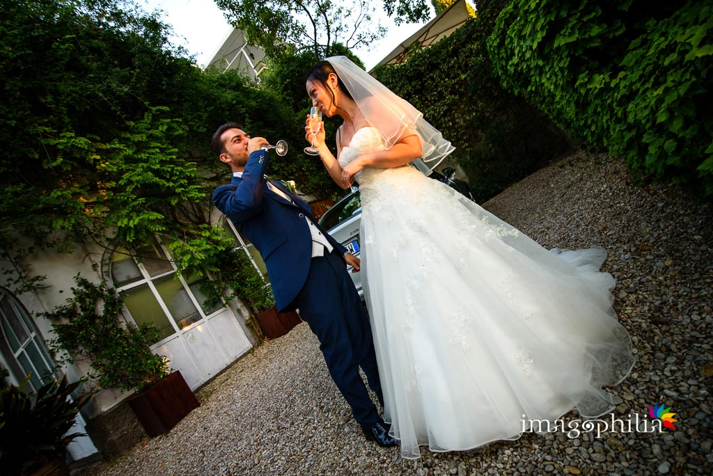Aperitivo di benvenuto appena arrivati al ricevimento di matrimonio a Villa Pocci, Marino.