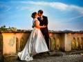 Gli sposi, dopo il matrimonio, all'affaccio panoramico del giardino del convento di Santa Rosa a Grottaferrata (suore francescane)