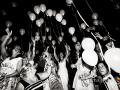 Lancio dei palloncini durante il ricevimento di matrimonio nella Villa Antico Melograno a Roma