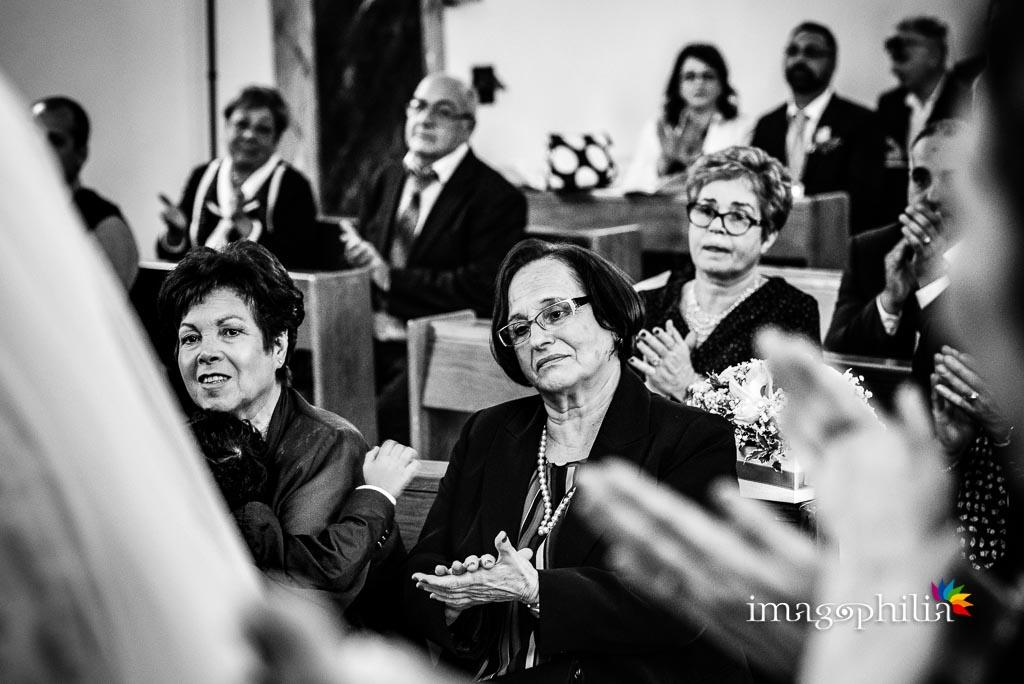 Applausi durante il matrimonio nella Chiesa Aeroportuale di Guidonia Santa Maria di Loreto