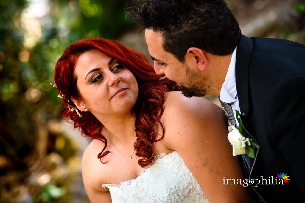Ritratto della sposa durante la sessione fotografica in esterno a Villa Torlonia, Roma