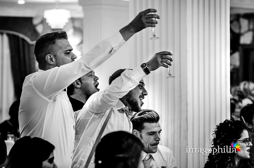 Brindisi durante il ricevimento di matrimonio a Villa Sesterzi, Fonte Nuova