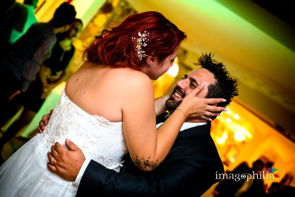 Primo ballo tra gli sposi durante il ricevimento di matrimonio a Villa Sesterzi, Fonte Nuova / 1