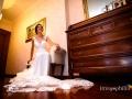 La sposa a casa poco prima di uscire