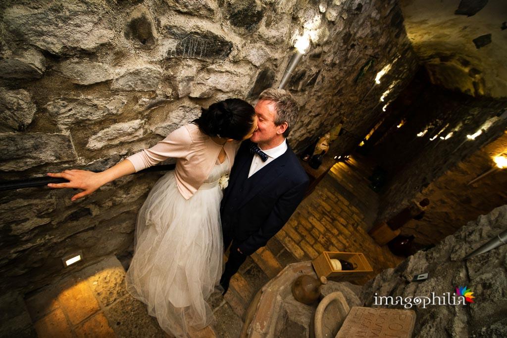 Ritratto degli sposi nella grotta del Ristorante La Gardenia di Castel Gandolfo
