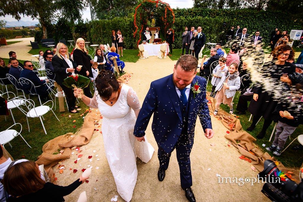 Lancio del riso sugli sposi al termine del matrimonio al New Green Hill di Roma