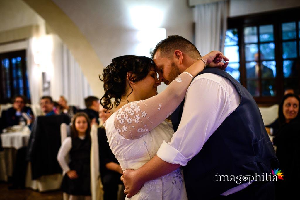 Primo ballo tra gli sposi al ricevimento di matrimonio presso il New Green Hill di Roma