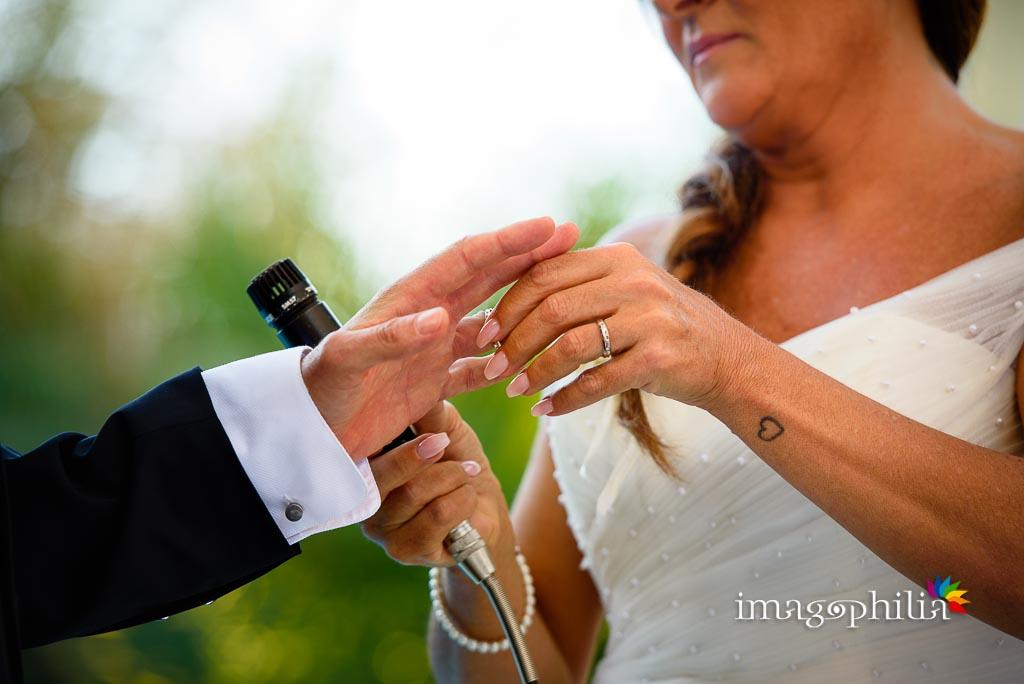 Scambio delle fedi, durante il matrimonio a Villa Pocci