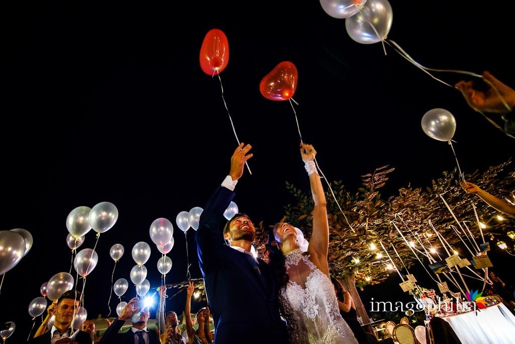 Lancio dei palloncini Led al termine del ricevimento di nozze a La Collinetta Eventi di Vermicino (Roma)