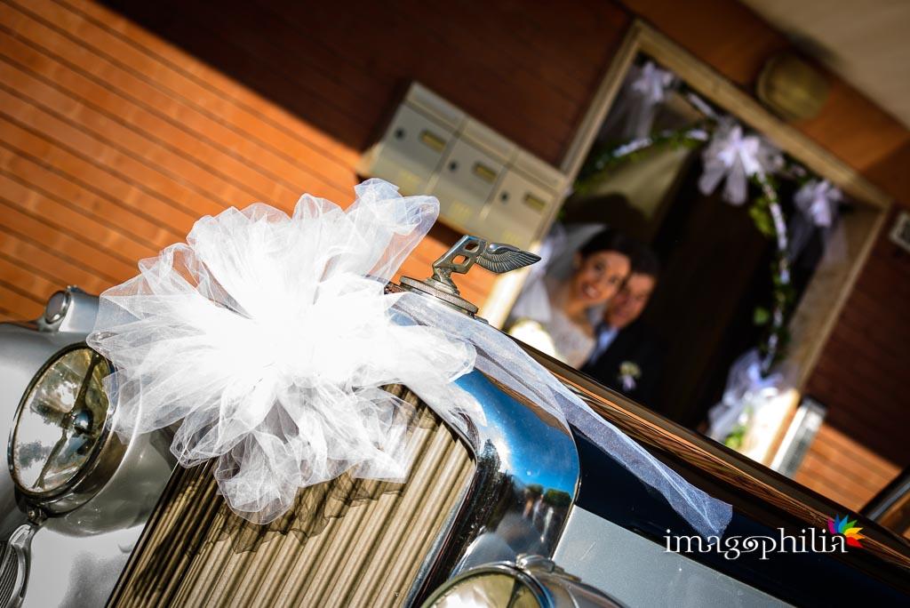 Uscita della sposa da casa insieme al papà