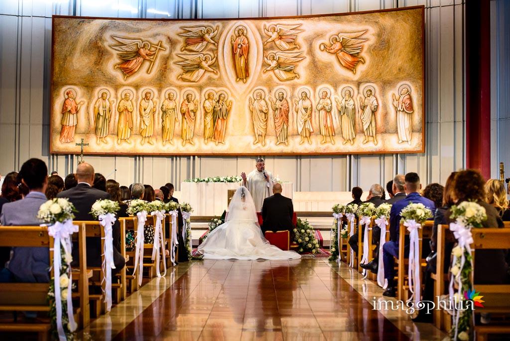 Matrimonio visto dal fondo della Chiesa di San Gregorio Barbarigo, Roma Eur / 1