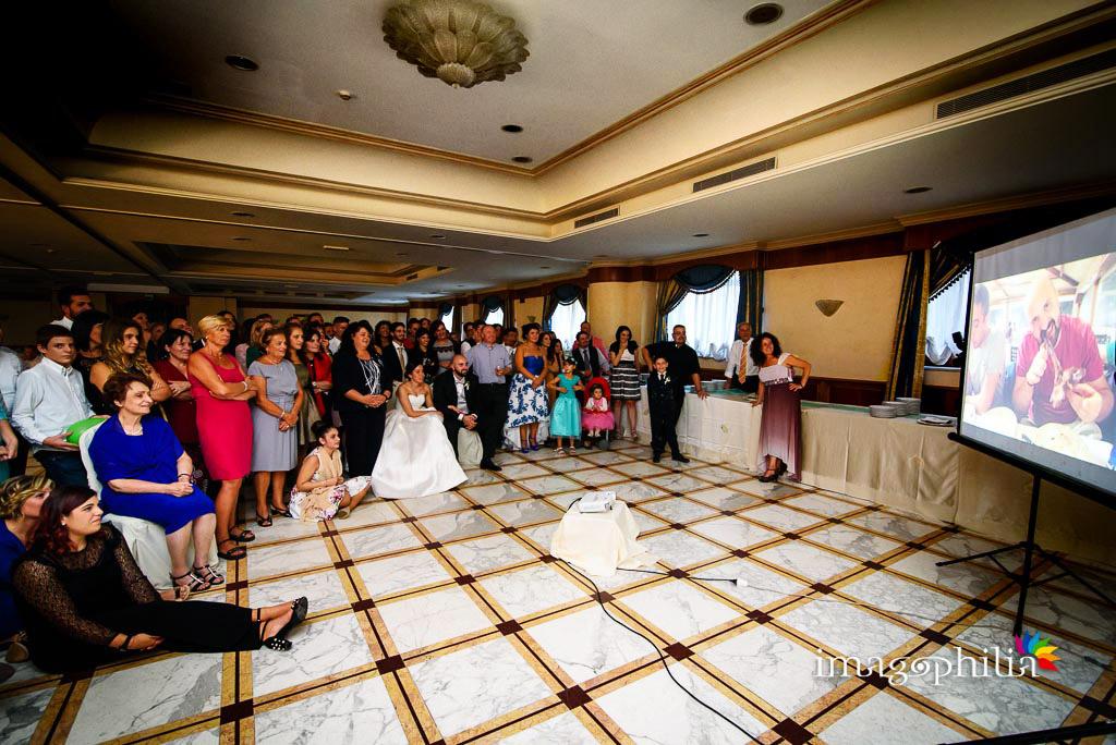 Proiezione di una slide fotografica durante il ricevimento di nozze al Ristorante da Benito al Bosco, Velletri
