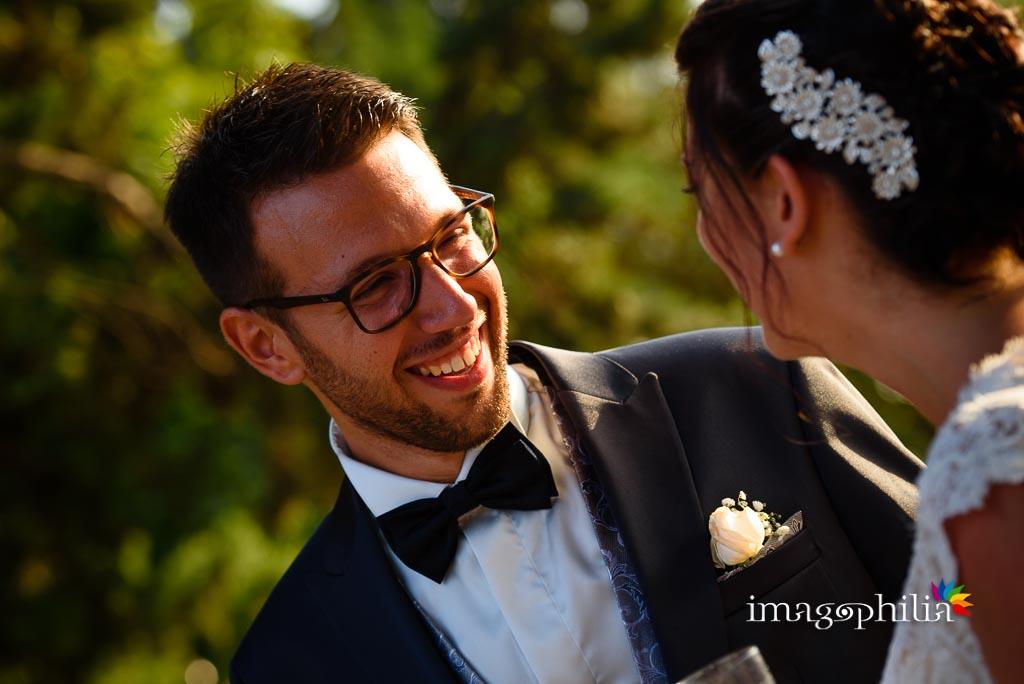 Lo sposo guarda sua moglie… con gli occhi dell'ammmore!