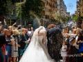 Lancio del riso agli sposi subito dopo il matrimonio nella Basilica di Santa Maria Ausiliatrice a Roma