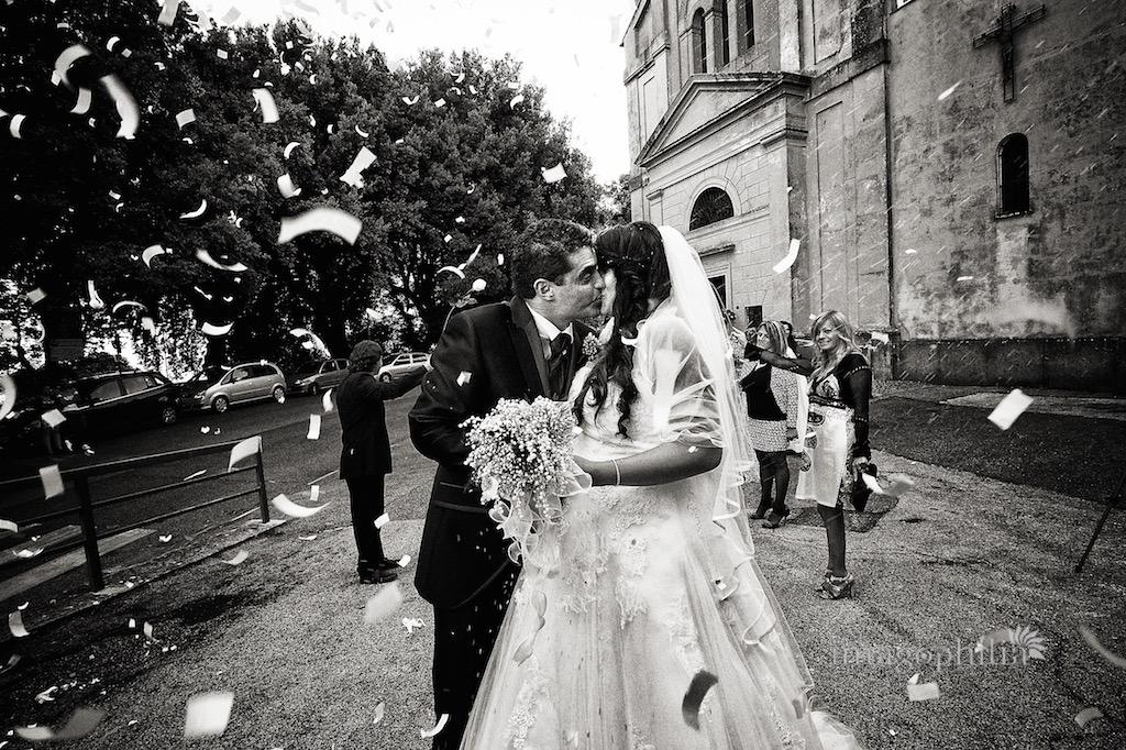 Lancio del riso dopo il matrimonio al Santuario della Madonna del Tufo a Rocca di Papa