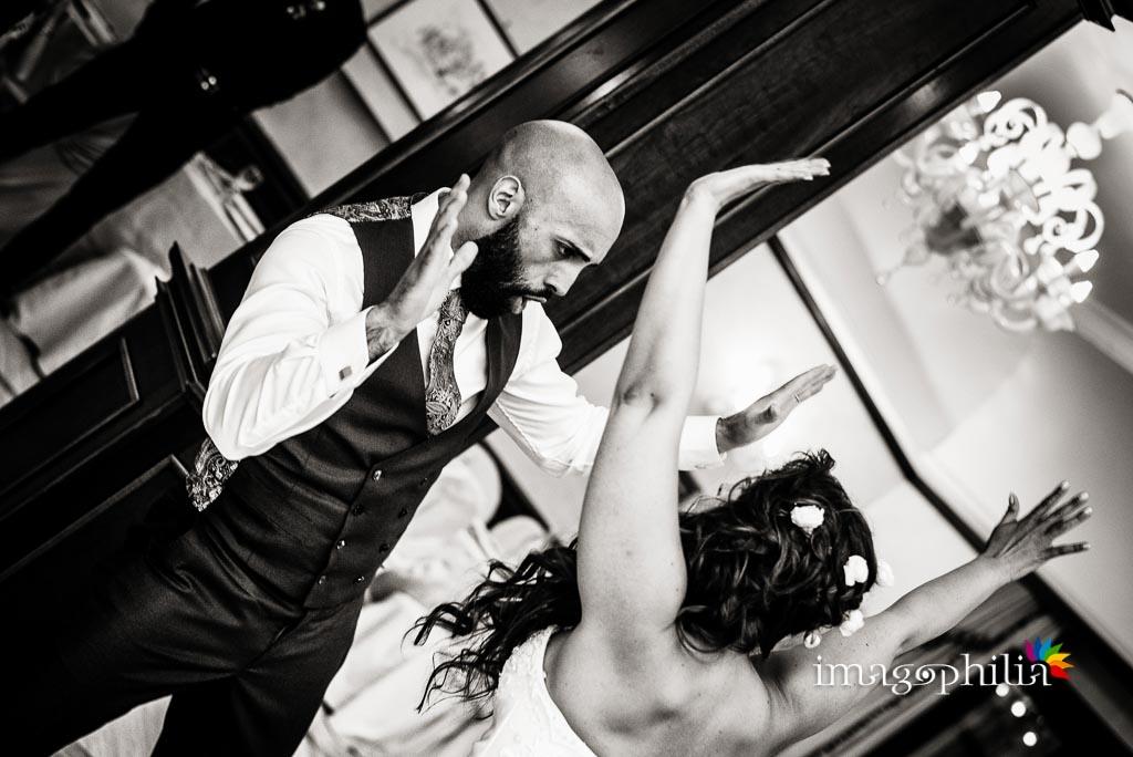 Ballo tra gli sposi nella grande sala della Villa dei Volsci a Velletri
