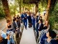 Ingresso dello sposo, a tempo di rock, accompagnato dalla madre sotto il pergolato della Villa dei Volsci a Velletri