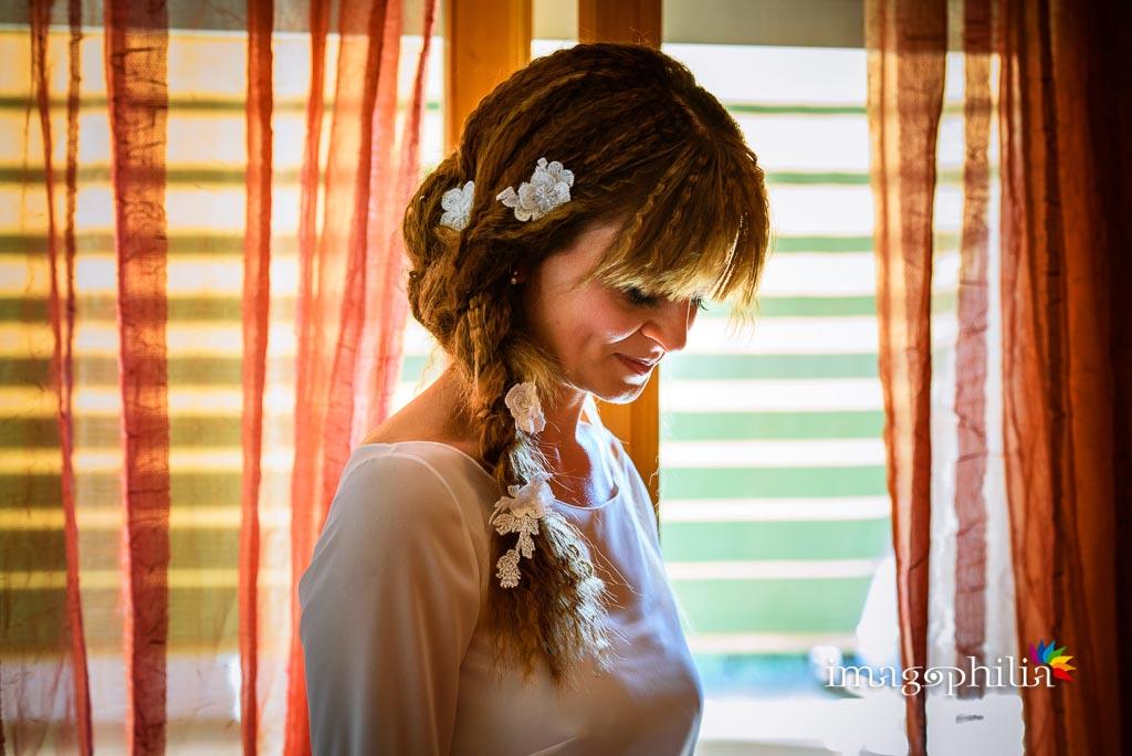 Ritratto della sposa a casa, terminata la preparazione