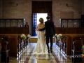 Gli sposi, al termine del matrimonio, si apprestano a uscire dalla Chiesa di Santa Maria Madre della Divina Grazia a Grottaferrata