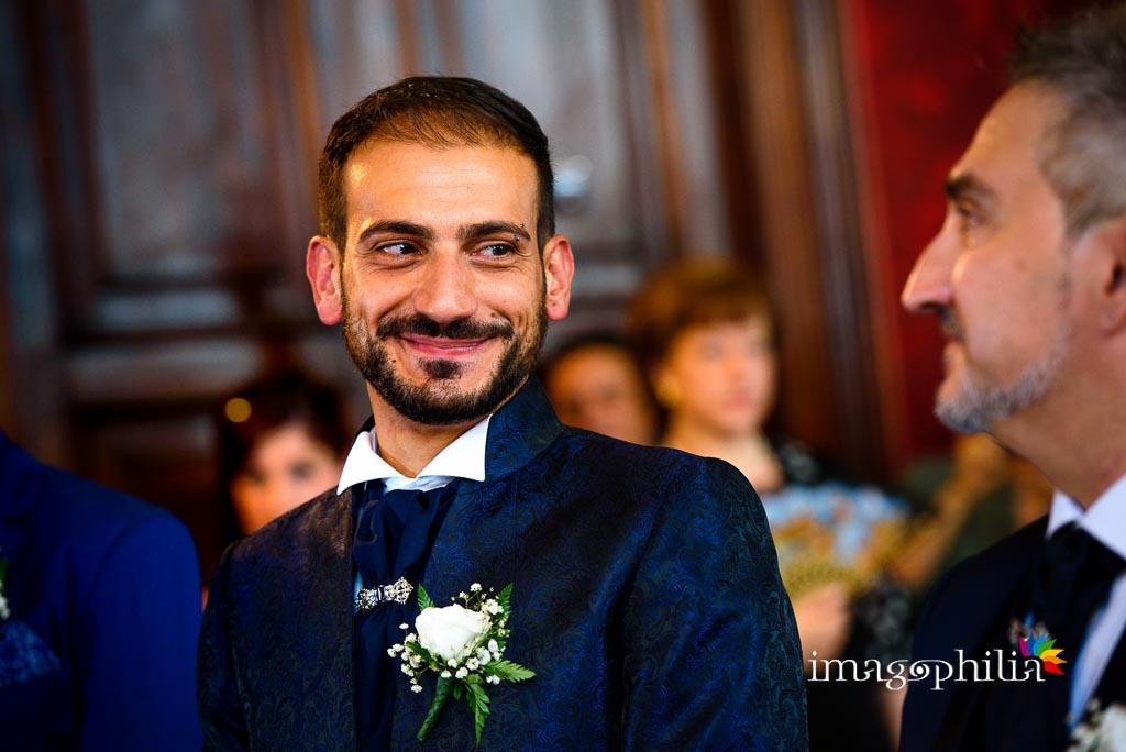 Sguardo tra gli sposi nella Sala Rossa al Campidoglio, Roma