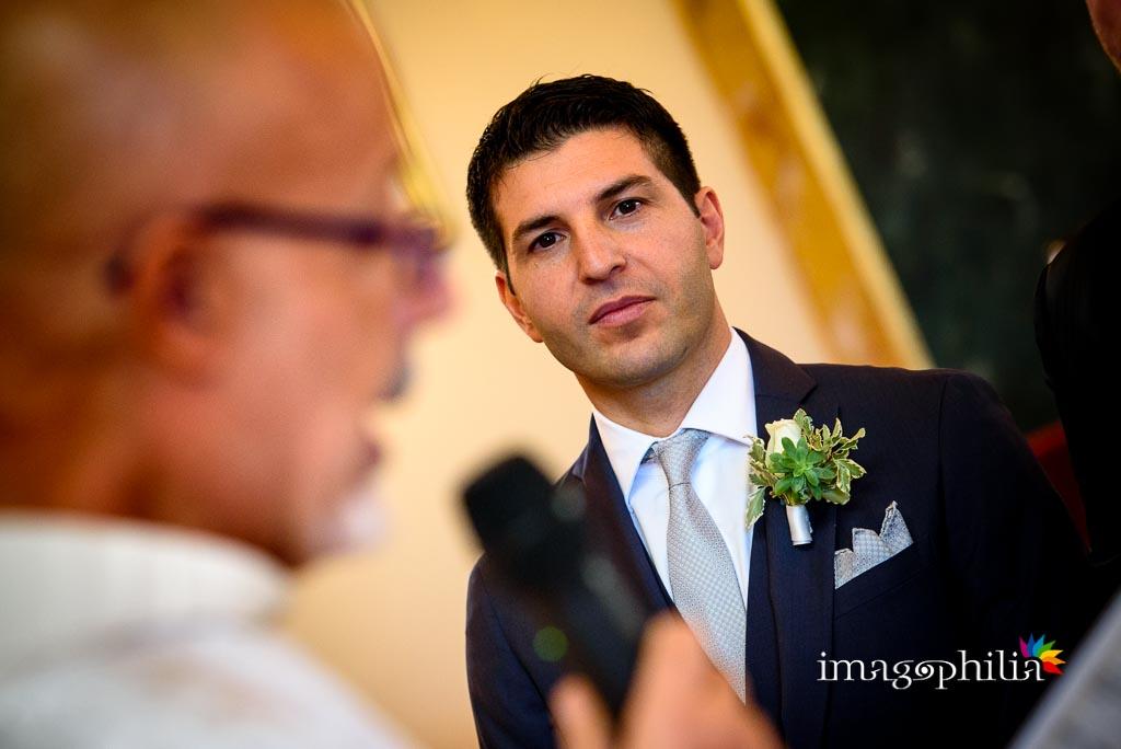 Ritratto di uno dei testimoni durante il matrimonio nella Chiesa Aeroportuale di Guidonia Santa Maria di Loreto