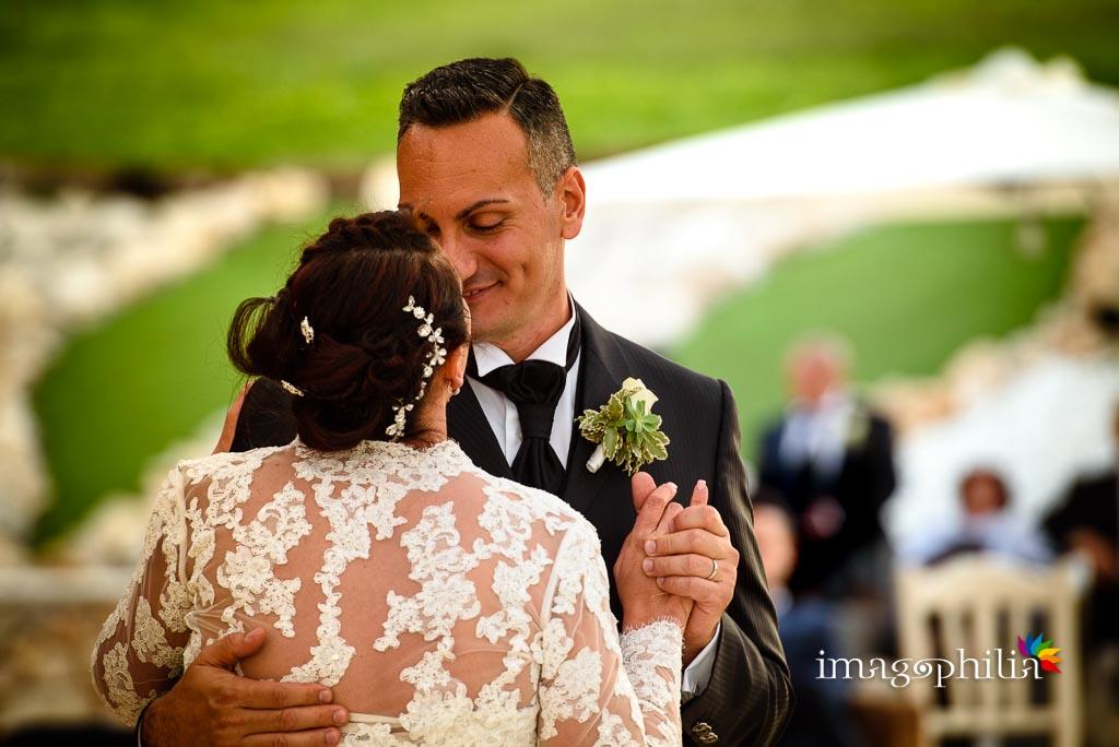 Primo ballo degli sposi al termine del ricevimento di matrimonio presso la Tenuta Colle degli Ulivi di Palombara Sabina