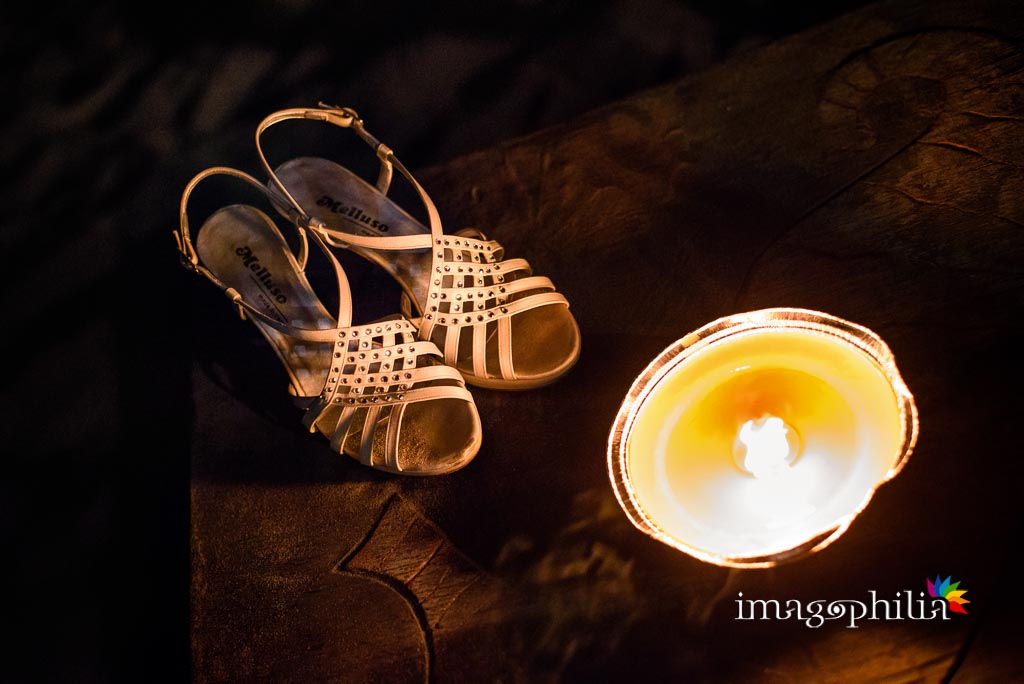 Le scarpe della sposa durante il ricevimento di nozze alla Villa di Venere a Torvajanica