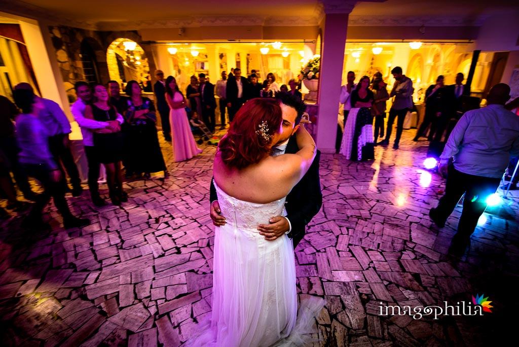 Primo ballo tra gli sposi durante il ricevimento di matrimonio a Villa Sesterzi, Fonte Nuova / 2