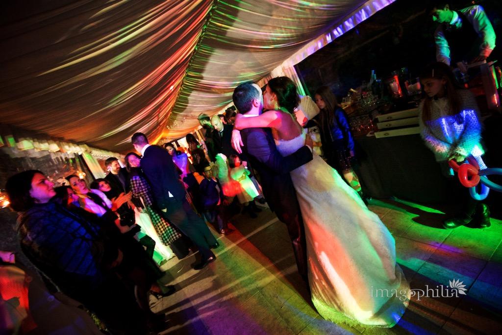 Primo ballo degli sposi durante il ricevimento di nozze al Casale Baldetti di Frascati