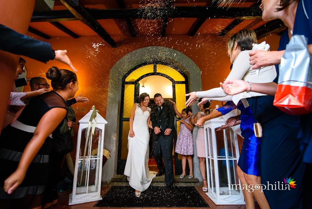 Lancio del riso agli sposi ai Casali Margherita a Roma