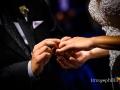 Dettaglio dello scambio degli anelli durante il matrimonio nella Chiesa di San Pietro in Montorio a Roma