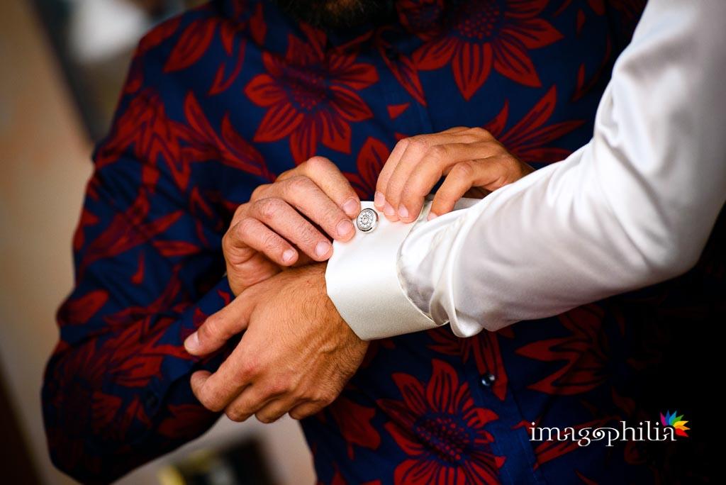 Dettaglio dei gemelli dello sposo