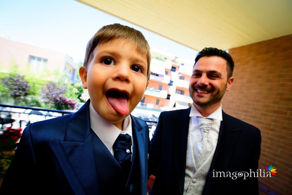 Il piccolo Christian è pronto per la cerimonia