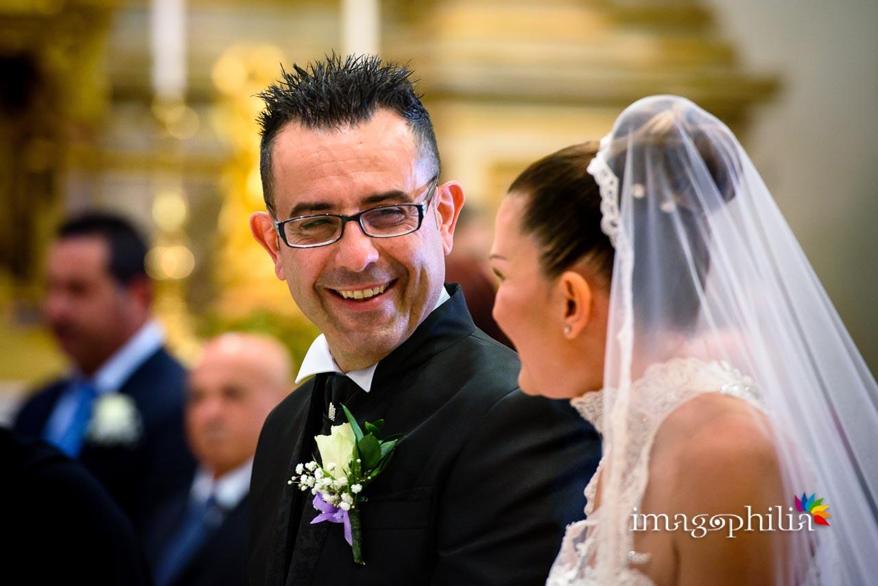 Sguardo dello sposo durante il matrimonio nella Chiesa di San Tommaso da Villanova a Castel Gandolfo