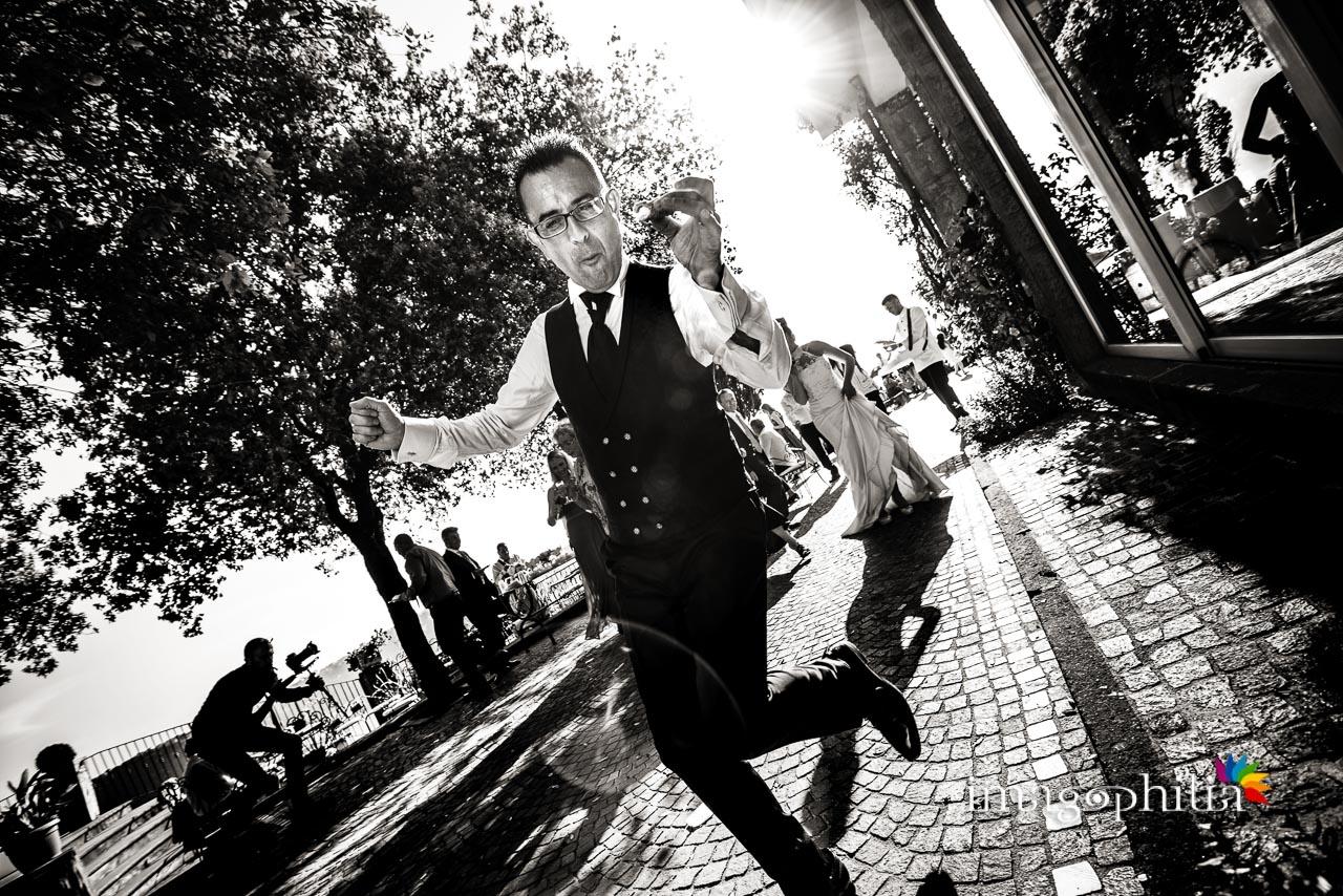Balli scatenati dello sposo durante il ricevimento di matrimonio a Villa Pocci (Marino)
